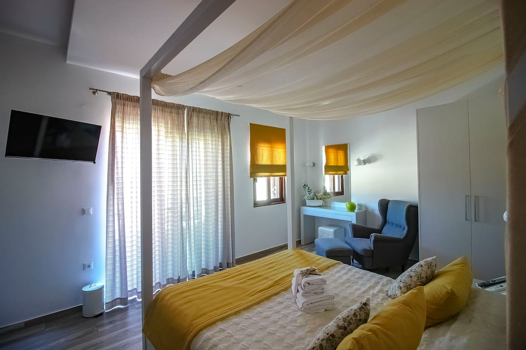 Junior Suite with private balcony sea view