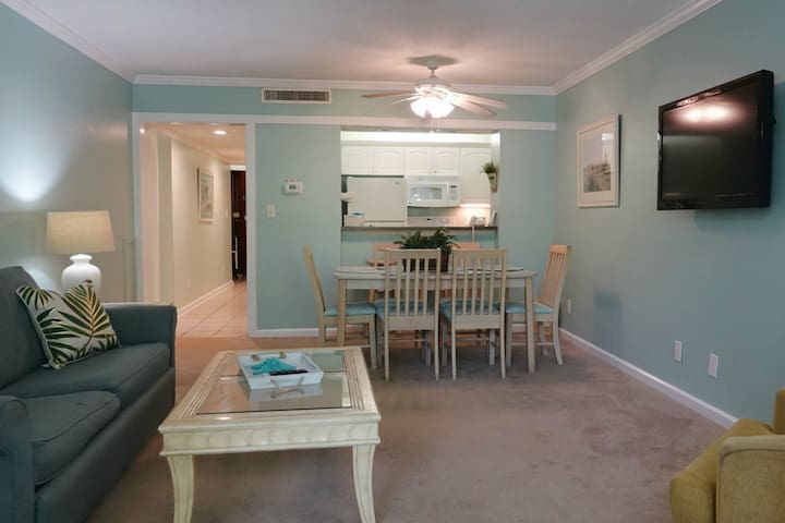 Ocean Creek L2256 - Tranquil Lodge Unit Overlooking the Pool!