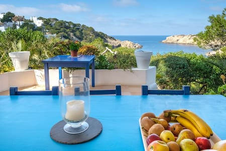 Air Conditioned Holiday Home with Sea View near Cala Vadella, Wi-Fi, Terrace and Garden