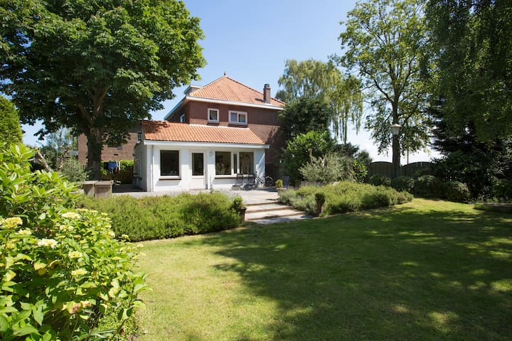 Beautiful monumental family house with big garden