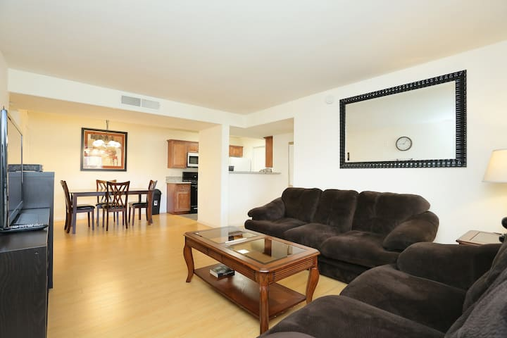 2 Bedrooms Condo Near The Strip - Las Vegas - Appartement