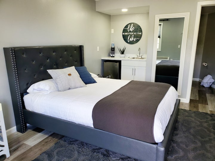 Modern Brand new Motel Room #3