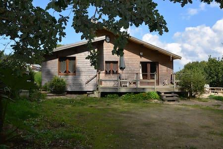 Maison et Jacuzzy pour 5 personnes - Tréduder