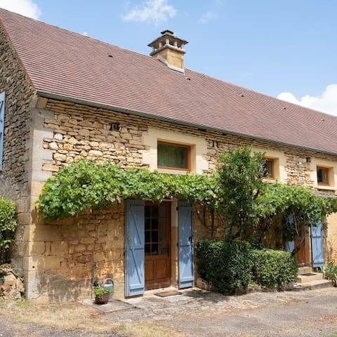 LANGLADE- French farmhouse beautifully remodelled.