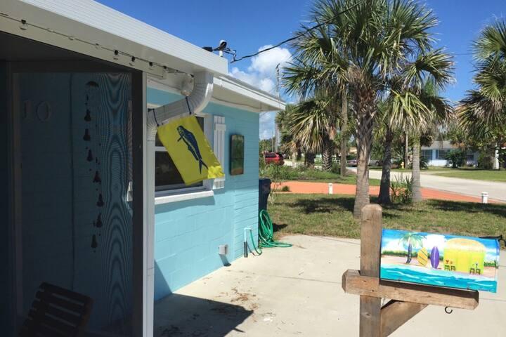 Mahi Beach House Cozy Cottage by the Sea