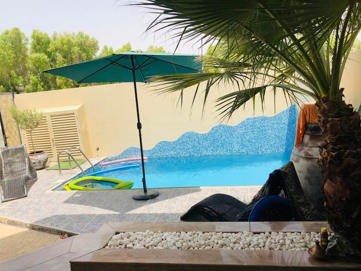 Big master room in nice villa in Jumeirah 3