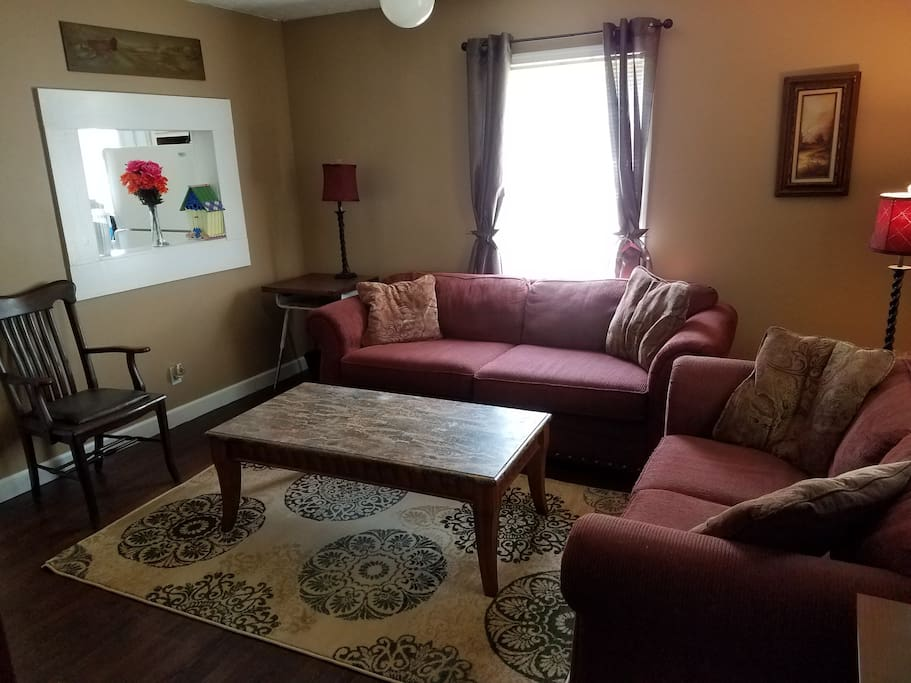 Comfy living room with HDTV and blazing fast Xfinity wifi...