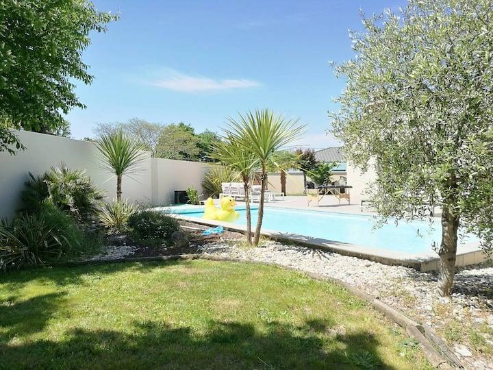 Villa 240m² avec piscine entre Bordeaux et l'océan