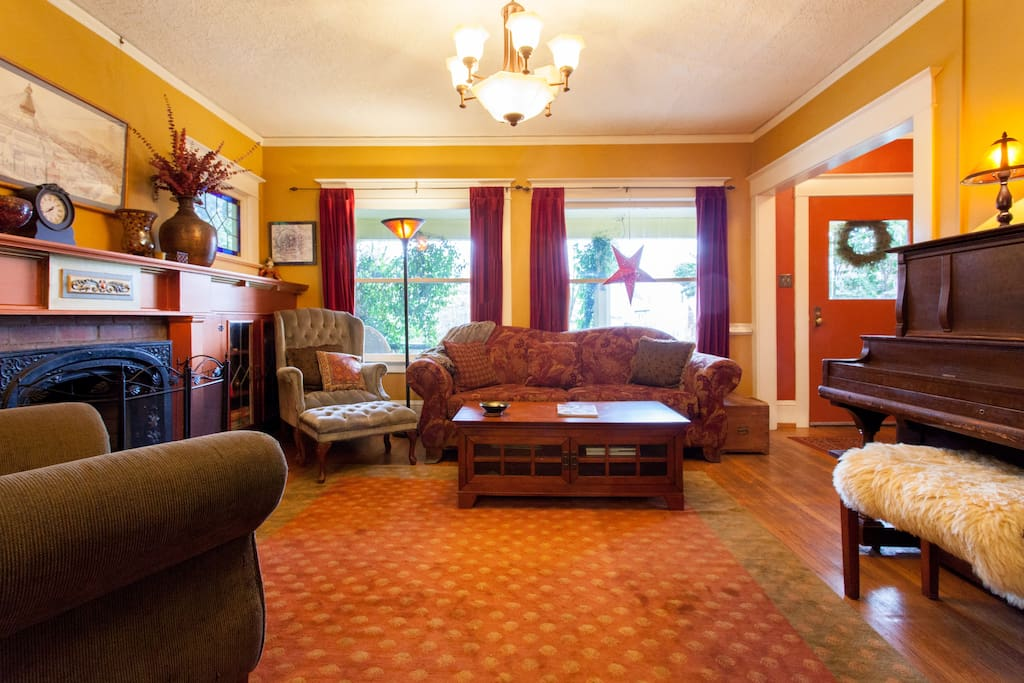 Great space for family/friend get-togethers!