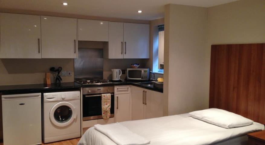 Studio double Apartment - High Wycombe - Apartament