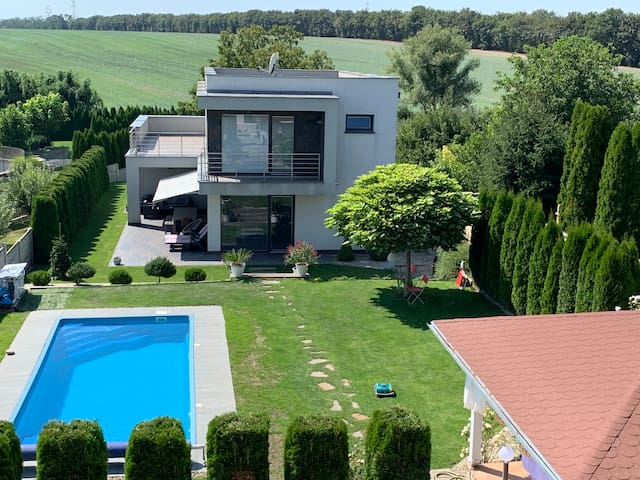Villa Amelie with pool near Trnava
