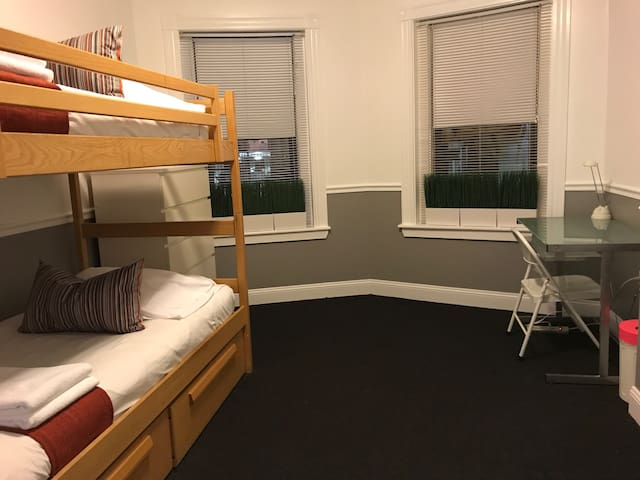 One Bedroom Close to MIT (1183)