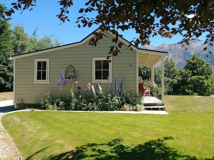 Charming  Glenorchy Cottage - No cleaning fee