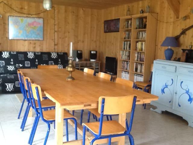 Maison dans campagne normande
