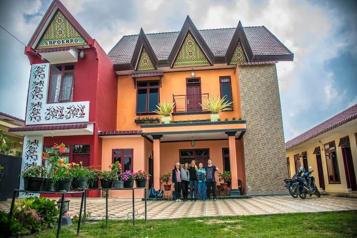 Sapo Karo Rest House Berastagi