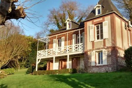Villa bij zee met grote tuin - ヴレットシュルメール