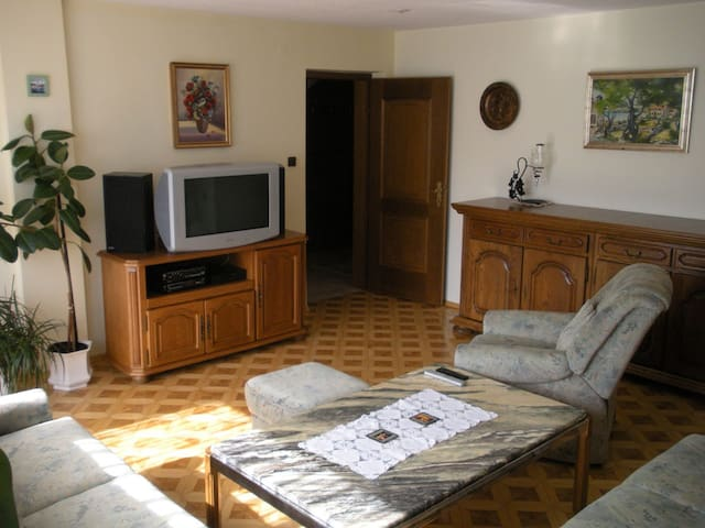 Nature apartment/120m²/free P &WiFi - Ig - Daire