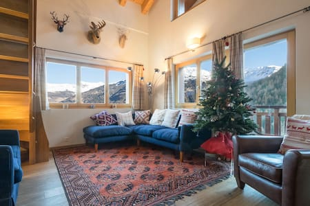 Chalet Lievre, ski in/out luxurious loft for 10