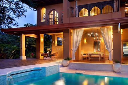 The casa and villa were both built on top of a hill, with panoramic views of the estate and its soccer field and horse stables in the distance, as well as the Pacific Ocean 10 minutes away by vehicle. It has four bedrooms, four bathrooms, and sleeps ten guests. This home has multiple areas for yoga, reading, playing cards and games, napping, and dining. Perfect for the active family or group, Finca Nosara is an estate with multiple opportunities for recreation.