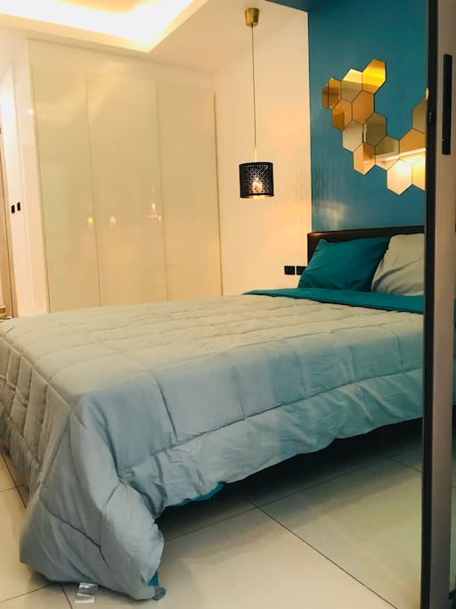 comfortable studio in blu and gold coloring. Full furnished
