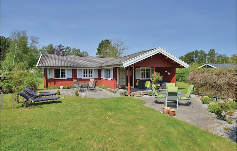 Holiday cottage with 3 bedrooms on 96m² in Nykøbing Sj