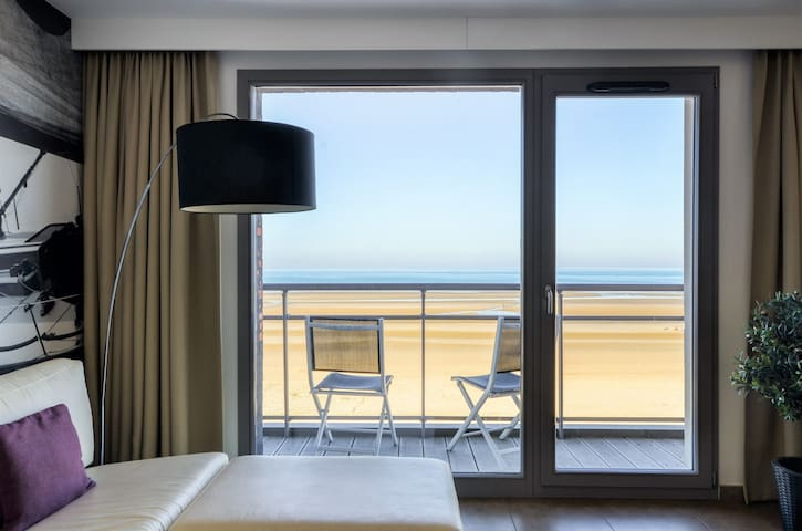 Pleasant holiday apartment at coastline (sea view)