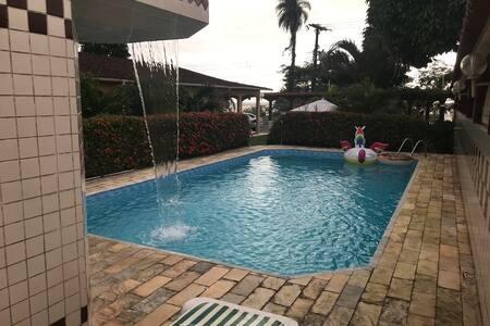 Casa à Beira Mar, em Mosqueiro, para Temporada.