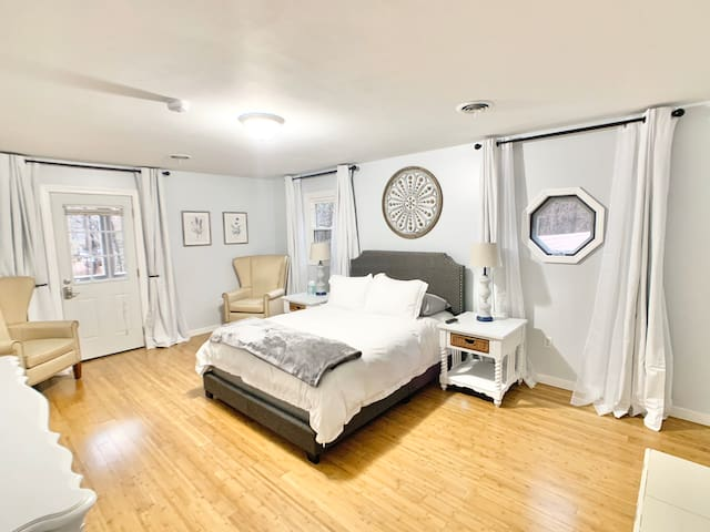 Balcony master suite in serene Glen Allen home
