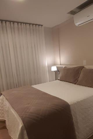 Quarto 2, cama de casal
