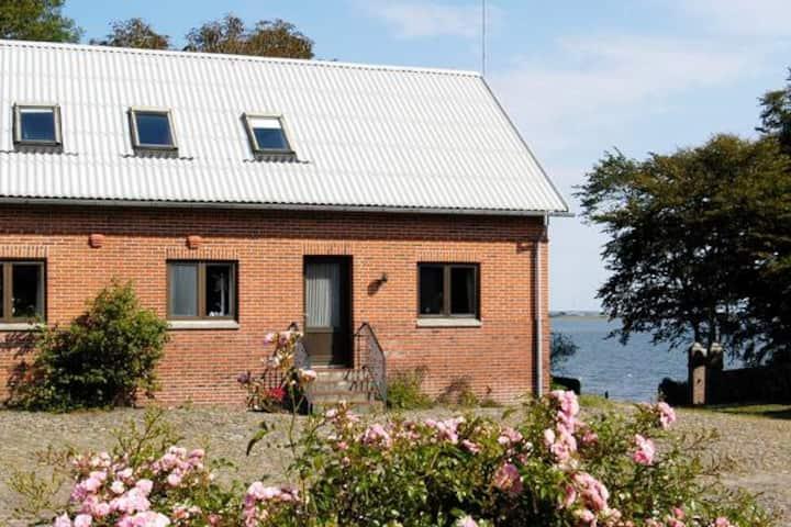 Hus ved Limfjorden