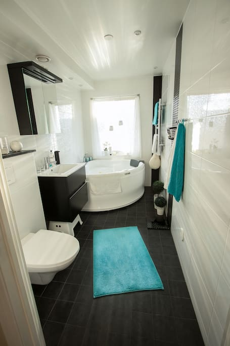 Bathroom with a small pool