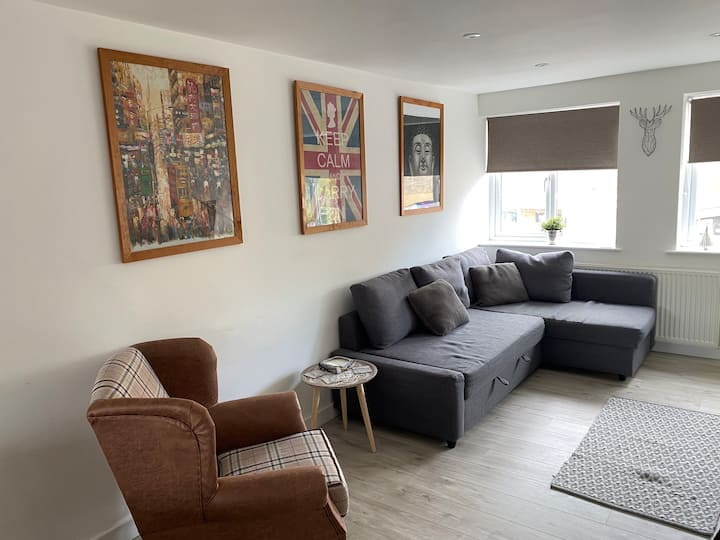 Modern Bristol 3 bed apartment. Perfect for family