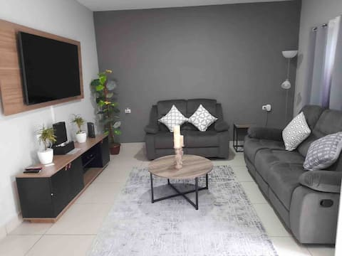 ⚡️Comfy & Modern Home⚡️PrivateRes 2BR W.A/C Wifi W&D