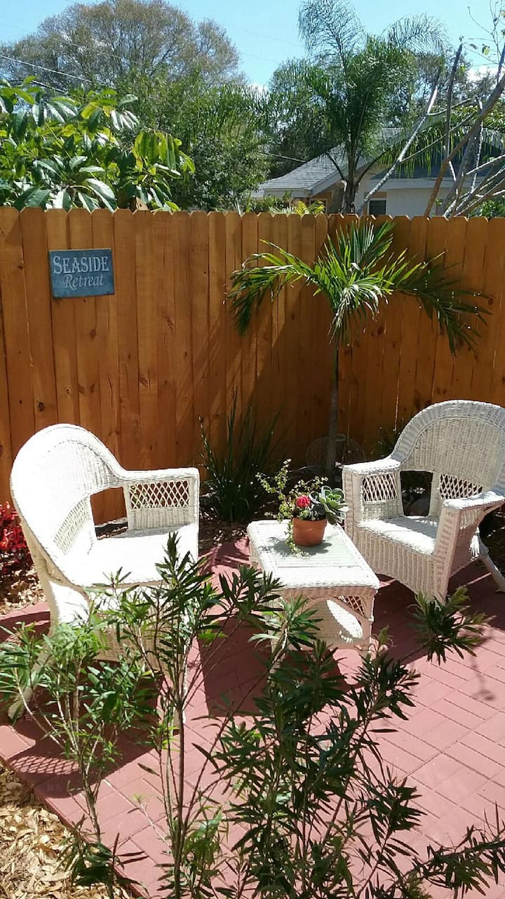 Gulfport Hideaway- Seaside Retreat