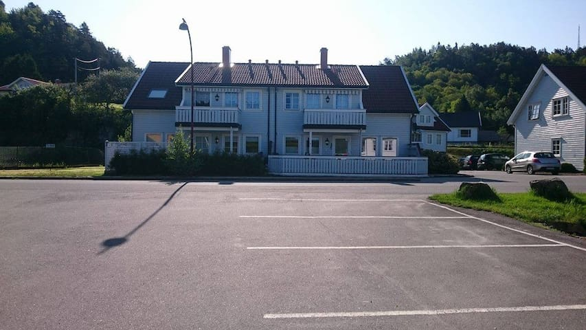 Cosy apartment, walking distance to senter. - Lyngdal