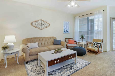 "★Cozy ""home away from home""- 2bd