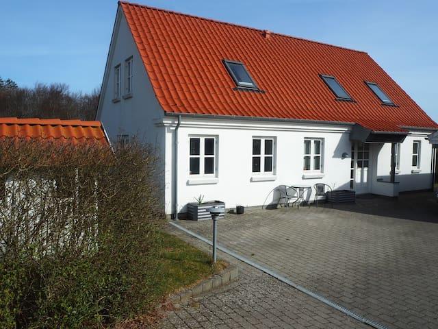 Cosy house near Aarhus - Skødstrup - Casa