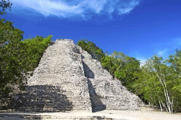 Koba Ruins are an hour away, so worth visiting!!