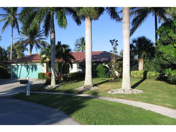 Marco Island Private Retreat  Heated Pool RENT ME!