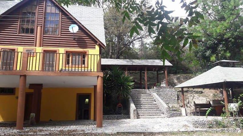 Cabaña - Santiago