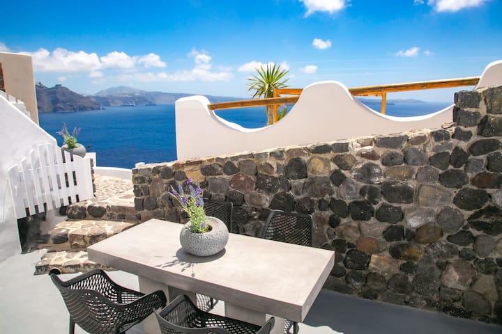 Ocean Breeze Villa With Caldera & Sea View