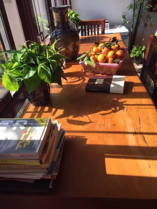 客厅的吧台,让你感受自然醒的状态就是这样。