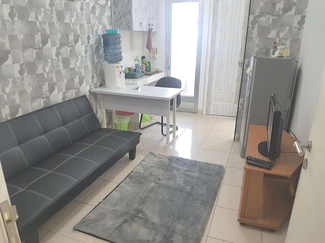 3 Beds Budget Apartment Connected To The Mall.