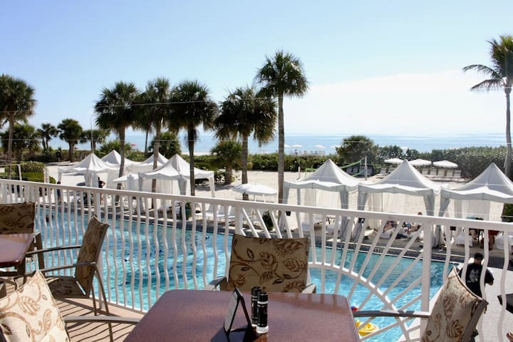 BEACH ESCAPE! ISLAND VIEW 2BR/2BA! BEACH, 5 POOLS