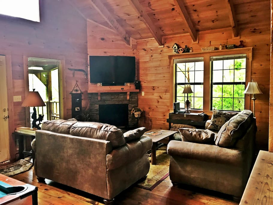"""55"""" TV With Cable and Netflix (You need your own login for netflix) Enjoy the TV from anywhere in the cabin"""