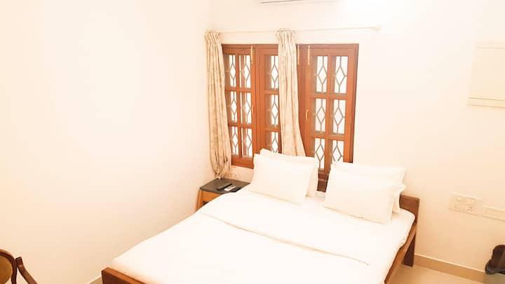 Beautiful Private Room Boutique Villa Koramangala