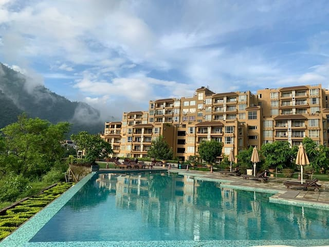 Luxury & Nature-Aloha 1BR+LR Mountain &Garden View
