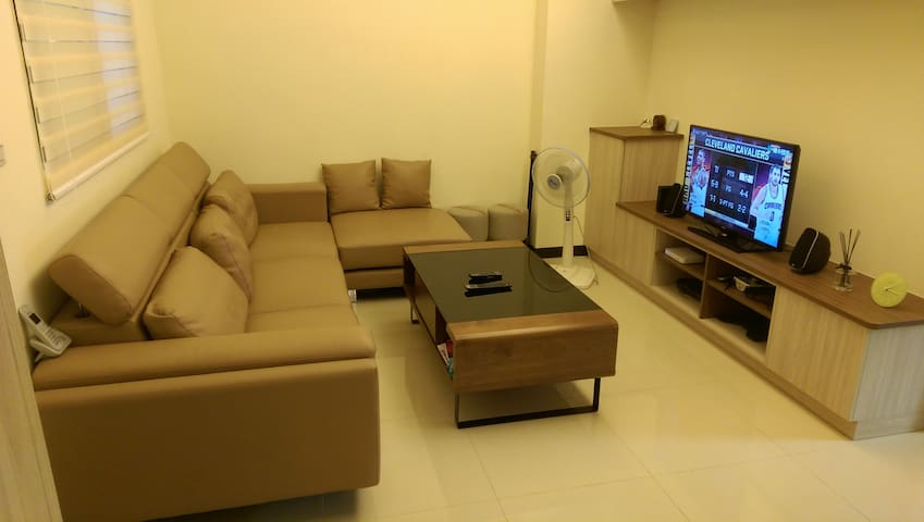 Clean comfy room close to Ubike, bus & MRT - Luzhou District - Pis