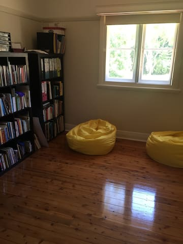 Room available in Charlestown - Charlestown