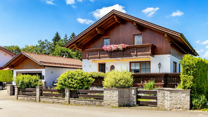 "Exklusives ""Chalet am Lechsee"" *****"